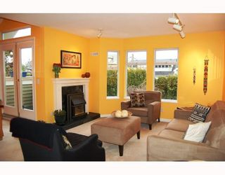Photo 2: 115 W 15TH Avenue in Vancouver: Mount Pleasant VW Townhouse for sale (Vancouver West)  : MLS®# V692100