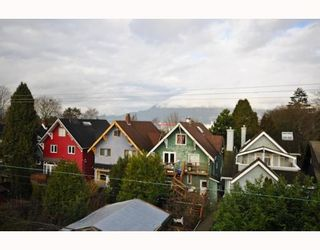 """Photo 8: 409-2929 West 4th Avenue in Vancouver: Kitsilano Condo for sale in """"The Madison"""" (Vancouver West)  : MLS®# V806678"""