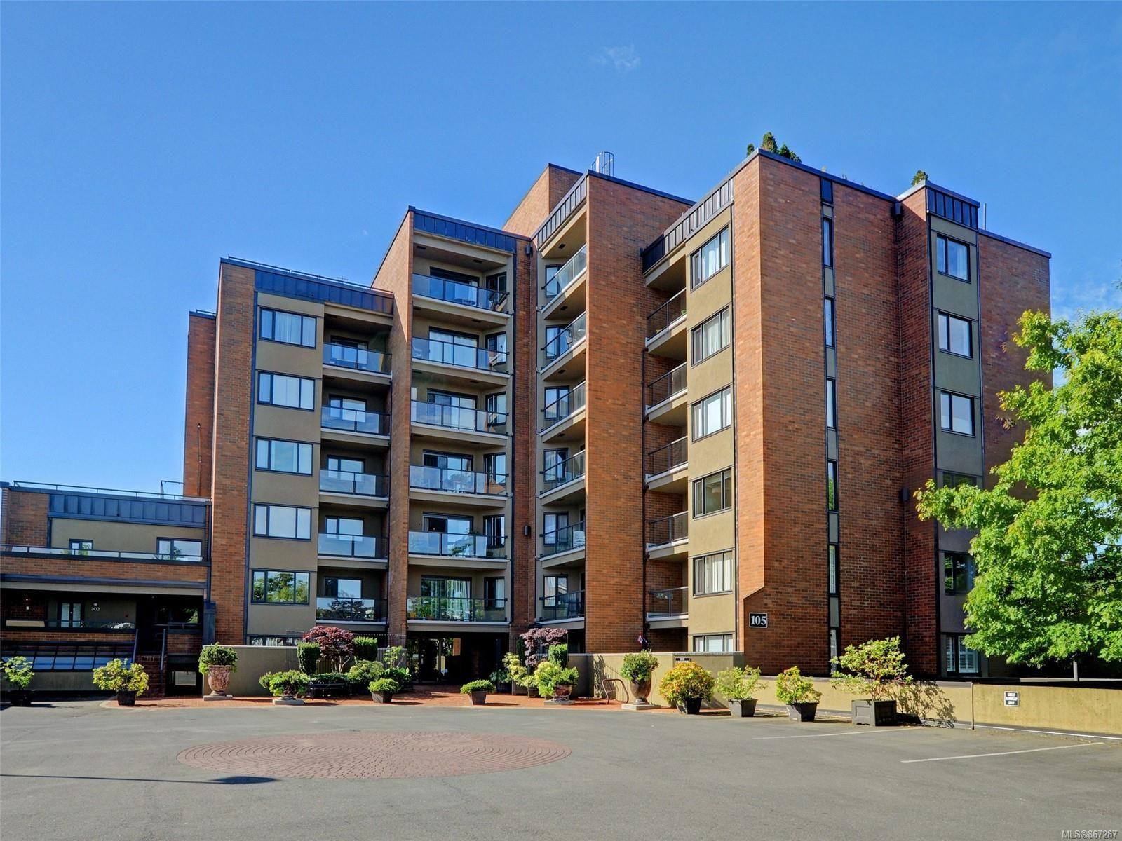 Main Photo: 209 105 E Gorge Rd in : Vi Burnside Condo for sale (Victoria)  : MLS®# 867287