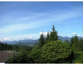 Photo 5: 890 THERMAL Drive in Coquitlam: Chineside House for sale : MLS®# V735522