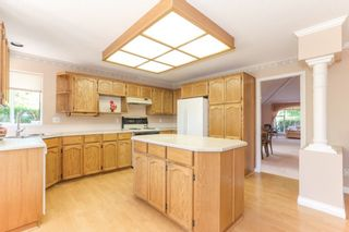 Photo 8: 15034 22 Avenue in White Rock: Sunnyside Park Surrey House for sale (South Surrey White Rock)  : MLS®# R2380431