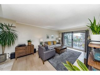 """Photo 4: 302 306 W 1ST Street in North Vancouver: Lower Lonsdale Condo for sale in """"LA VIVA"""" : MLS®# R2577061"""