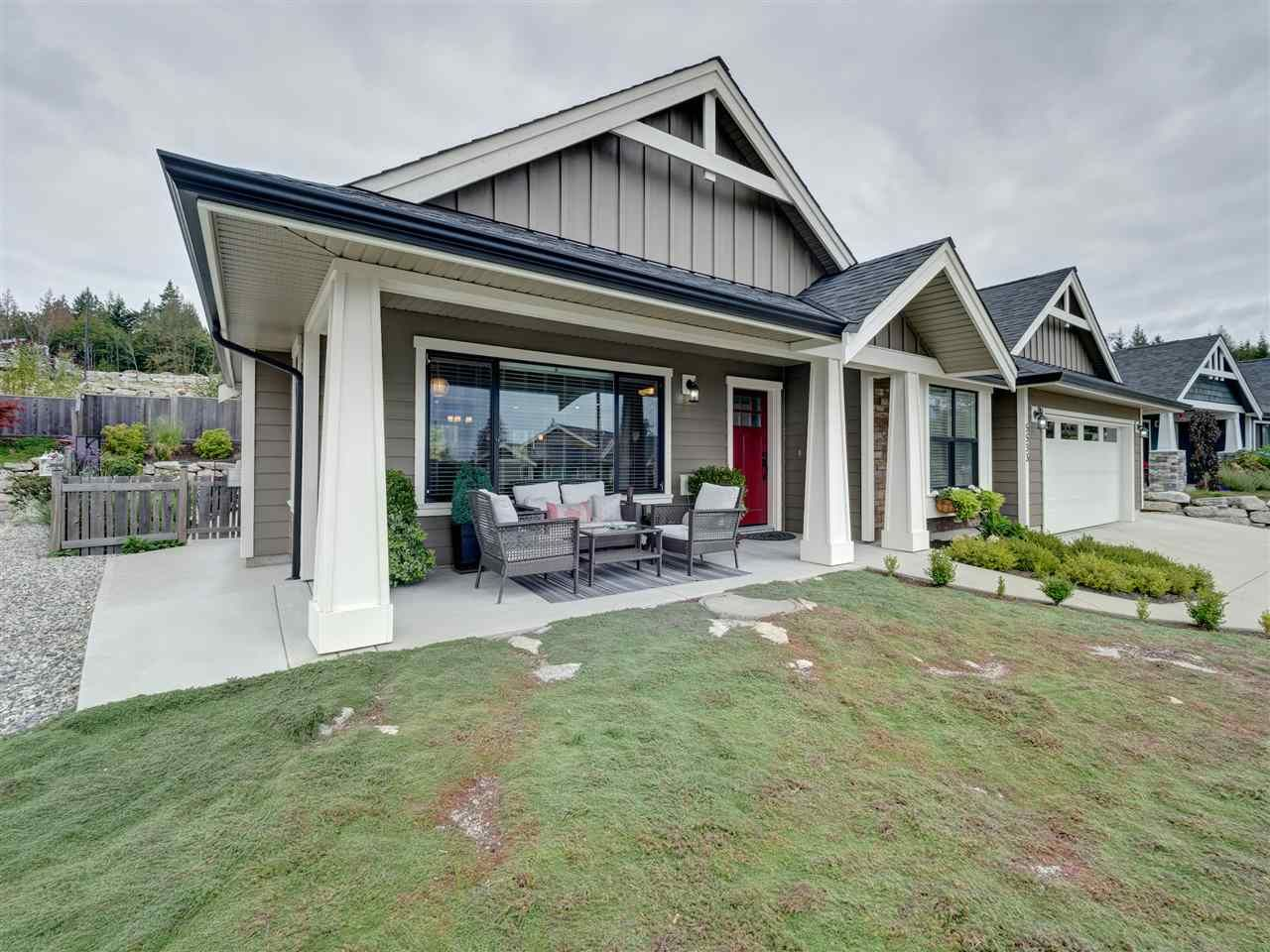 """Main Photo: 5533 PEREGRINE Crescent in Sechelt: Sechelt District House for sale in """"Silverstone Heights"""" (Sunshine Coast)  : MLS®# R2397737"""