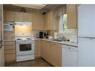 Photo 2: 311 2800 CHESTERFIELD Avenue in North Vancouver: Upper Lonsdale Condo for sale : MLS®# V911586