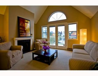 Photo 2: 141 W 13TH Avenue in Vancouver: Mount Pleasant VW Townhouse for sale (Vancouver West)  : MLS®# V747625