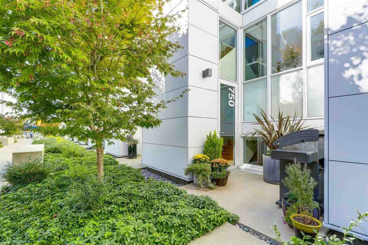 """Main Photo: 750 W 6TH Avenue in Vancouver: Fairview VW Townhouse for sale in """"SIXTH + STEEL"""" (Vancouver West)  : MLS®# R2313387"""