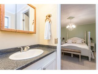 """Photo 21: 280 1840 160 Street in Surrey: King George Corridor Manufactured Home for sale in """"BREAKAWAY BAYS"""" (South Surrey White Rock)  : MLS®# R2517093"""