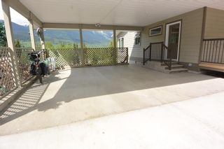 Photo 18: 3543 BANFF Avenue in Smithers: Smithers - Rural House for sale (Smithers And Area (Zone 54))  : MLS®# R2271804