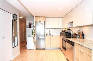 """Photo 5: 701 445 W 2ND Avenue in Vancouver: False Creek Condo for sale in """"MAYNARD'S BLOCK"""" (Vancouver West)  : MLS®# R2084964"""