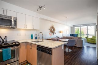 """Photo 2: 215 55 EIGHTH Avenue in New Westminster: GlenBrooke North Condo for sale in """"EIGHTWEST"""" : MLS®# R2457550"""