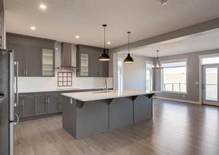 Photo 12: 203 Crestridge Hill SW in Calgary: Crestmont Detached for sale : MLS®# A1105863