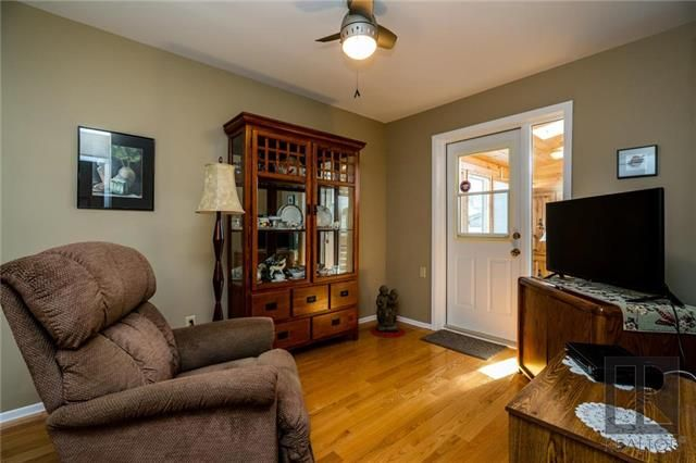 Photo 11: Photos: 940 Weatherdon Avenue in Winnipeg: Crescentwood Residential for sale (1Bw)  : MLS®# 1828216