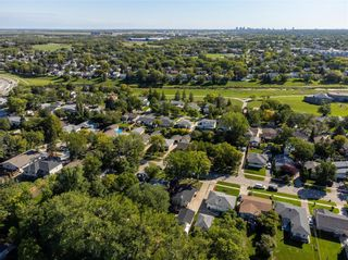 Photo 29: 858 Vimy Road in Winnipeg: Crestview Residential for sale (5H)  : MLS®# 202122118