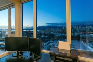 "Photo 15: 802 2483 SPRUCE Street in Vancouver: Fairview VW Condo for sale in ""Skyline"" (Vancouver West)  : MLS®# R2151780"