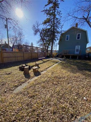 Photo 2: 593 Powers Street in Winnipeg: North End Residential for sale (4C)  : MLS®# 202108001