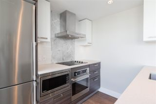"""Photo 11: 1406 1783 MANITOBA Street in Vancouver: False Creek Condo for sale in """"Residences at West"""" (Vancouver West)  : MLS®# R2457734"""
