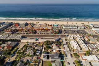 Photo 3: PACIFIC BEACH House for sale : 3 bedrooms : 831 Reed Ave in San Diego