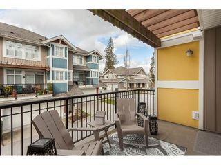 """Photo 6: 15 6036 164 Street in Surrey: Cloverdale BC Townhouse for sale in """"Arbour Village"""" (Cloverdale)  : MLS®# R2445991"""