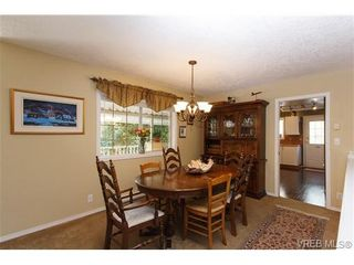 Photo 6: 924 Wendey Dr in VICTORIA: La Walfred House for sale (Langford)  : MLS®# 675974