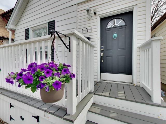 Photo 2: Photos: 131 Coleridge Avenue in Toronto: Woodbine-Lumsden House (Bungalow) for sale (Toronto E03)  : MLS®# E4120444