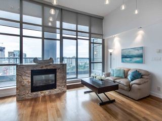 """Photo 4: PH3 1050 SMITHE Street in Vancouver: West End VW Condo for sale in """"STERLING"""" (Vancouver West)  : MLS®# R2495075"""