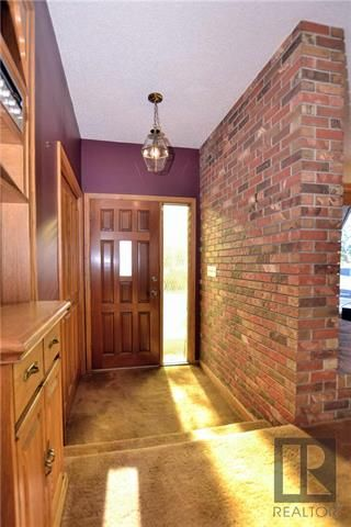 Photo 2: 1106 River Road in Selkirk: Mapleton Residential for sale (R13)  : MLS®# 1827520