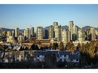 Photo 2: 107 1141 7TH Ave W in Vancouver West: Home for sale : MLS®# V1038154