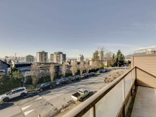 "Photo 4: 17 220 E 4TH Street in North Vancouver: Lower Lonsdale Townhouse for sale in ""Custer Court"" : MLS®# R2538905"
