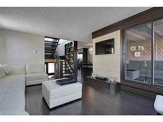 Photo 4: 19 828 COACH BLUFF Crescent SW in Calgary: 2 and Half Storey for sale : MLS®# C3563691