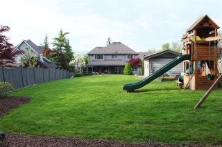 """Photo 18: 17728 68TH Avenue in Surrey: Cloverdale BC House for sale in """"Cloverdale"""" (Cloverdale)  : MLS®# R2252665"""