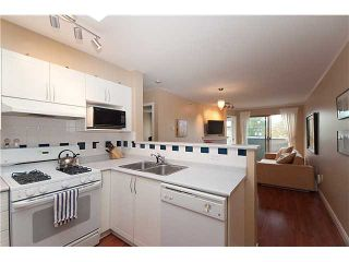 "Photo 4: 402 688 E 16TH Avenue in Vancouver: Fraser VE Condo for sale in ""VINTAGE EASTSIDE"" (Vancouver East)  : MLS®# V833214"