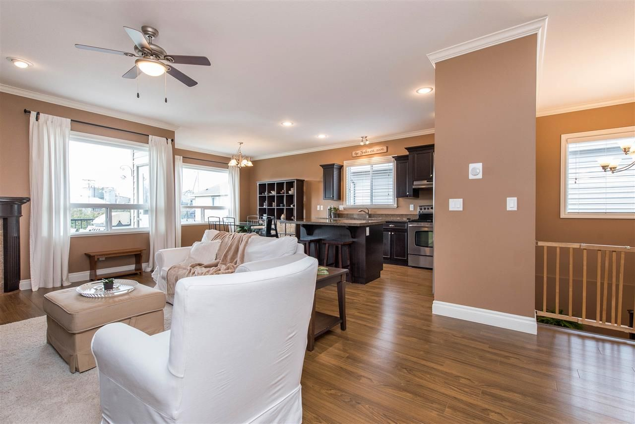 """Photo 12: Photos: 34914 2 Avenue in Abbotsford: Poplar House for sale in """"Huntingdon Village"""" : MLS®# R2548984"""