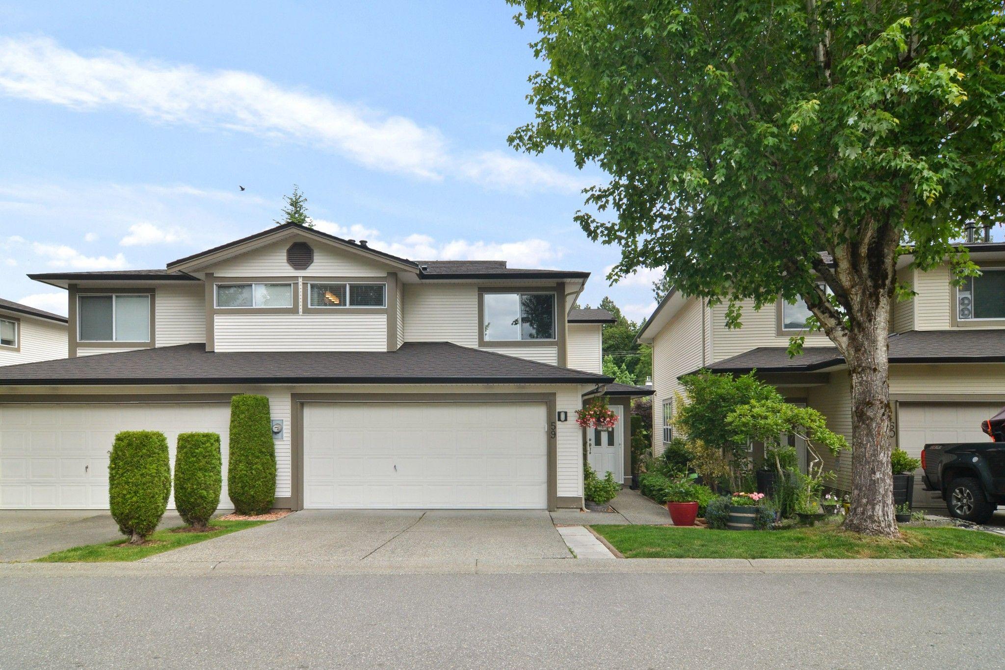 "Main Photo: 59 20881 87 Avenue in Langley: Walnut Grove Townhouse for sale in ""KEW GARDENS"" : MLS®# R2592060"