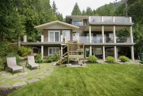 Main Photo: 190 MOUNTAIN Drive in West Vancouver: Home for sale : MLS®# V903436