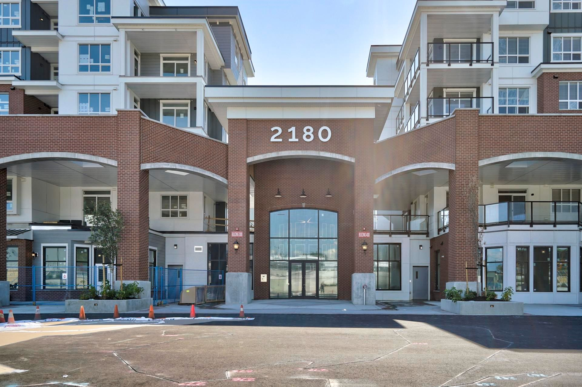 """Main Photo: 4412 2180 KELLY Avenue in Port Coquitlam: Central Pt Coquitlam Condo for sale in """"MONTROSE SQUARE"""" : MLS®# R2613383"""