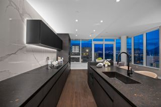 """Photo 9: 2501 620 CARDERO Street in Vancouver: Coal Harbour Condo for sale in """"Cardero"""" (Vancouver West)  : MLS®# R2565115"""