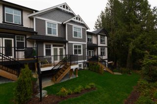 """Photo 2: 34 35298 MARSHALL Road in Abbotsford: Abbotsford East Townhouse for sale in """"Eagles Gate"""" : MLS®# R2252195"""