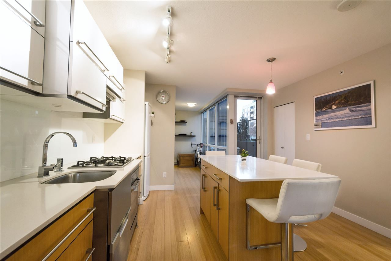 """Main Photo: 506 718 MAIN Street in Vancouver: Mount Pleasant VE Condo for sale in """"Ginger"""" (Vancouver East)  : MLS®# R2219470"""