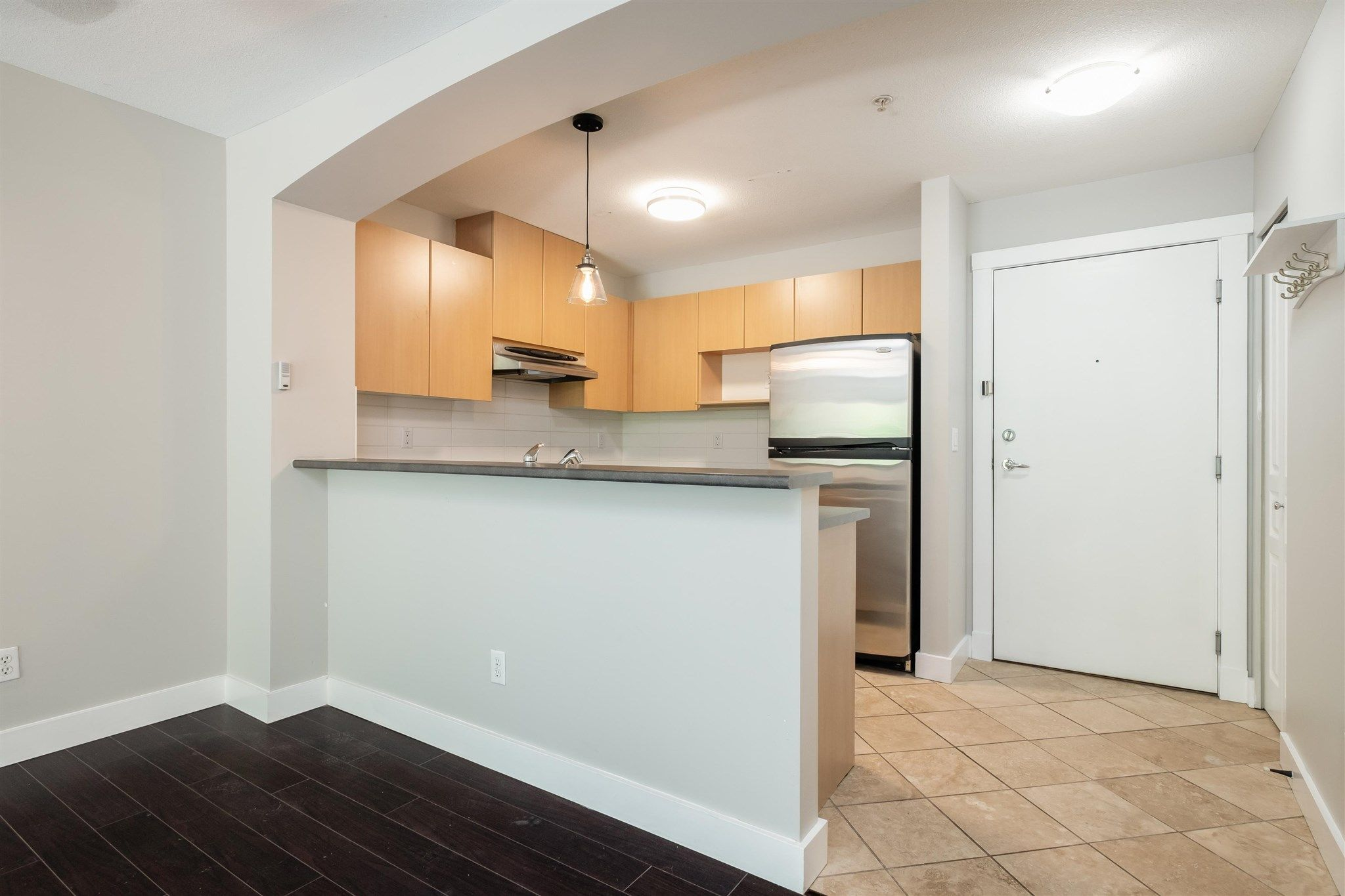 """Photo 7: Photos: 211 9339 UNIVERSITY Crescent in Burnaby: Simon Fraser Univer. Condo for sale in """"HARMONY"""" (Burnaby North)  : MLS®# R2597666"""
