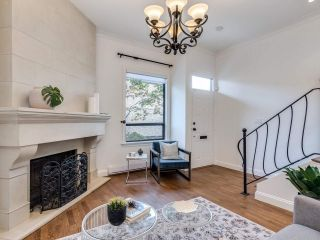 """Photo 2: 8 1266 W 6TH Avenue in Vancouver: Fairview VW Townhouse for sale in """"Camden Court"""" (Vancouver West)  : MLS®# R2487399"""