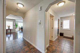 Photo 5: 1329 MALONE Place in Edmonton: Zone 14 House for sale : MLS®# E4247611