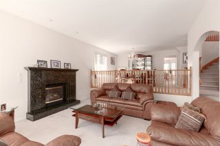 """Photo 5: 41373 DRYDEN Road in Squamish: Brackendale House for sale in """"BRACKENDALE - EAGLE RUN"""" : MLS®# R2571749"""