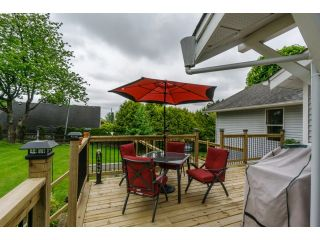 """Photo 2: 18076 58TH Avenue in Surrey: Cloverdale BC House for sale in """"CLOVERDALE"""" (Cloverdale)  : MLS®# F1440680"""