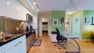 """Photo 5: 2206 788 HAMILTON Street in Vancouver: Downtown VW Condo for sale in """"TV TOWERS"""" (Vancouver West)  : MLS®# R2559691"""