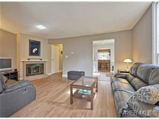 Photo 3: A 2999 Glen Lake Rd in VICTORIA: La Glen Lake Half Duplex for sale (Langford)  : MLS®# 583980