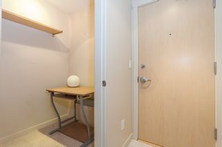 """Photo 7: 603 969 RICHARDS Street in Vancouver: Downtown VW Condo for sale in """"Mondrian"""" (Vancouver West)  : MLS®# R2074580"""