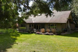 "Photo 3: 1470 VERNON Drive in Gibsons: Gibsons & Area House for sale in ""Bonniebrook"" (Sunshine Coast)  : MLS®# R2558606"