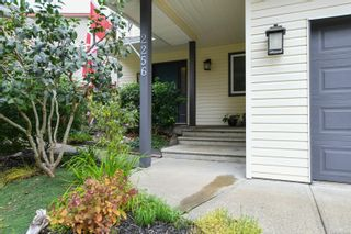 Photo 3: 2256 Walbran Dr in : CV Courtenay East House for sale (Comox Valley)  : MLS®# 857882