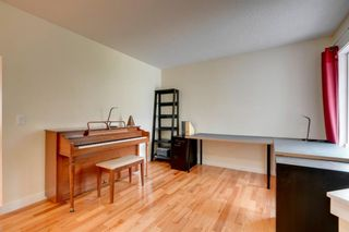 Photo 19: 113 Chapalina Heights SE in Calgary: Chaparral Detached for sale : MLS®# A1059196