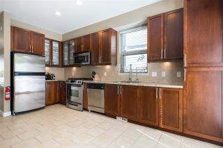 Photo 9: 327 E 15TH STREET in North Vancouver: Central Lonsdale Townhouse for sale : MLS®# R2494797